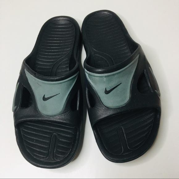 best website c27bc e30a0 NIKE Beach flip flop slippers Men 11 / Wm 12